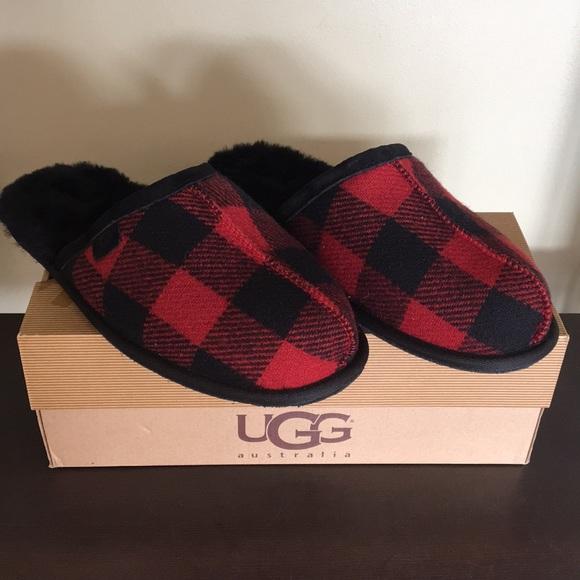 a3b327702f84 🎁New Ugg Men s Scuff Plaid Red Black slipper Sz 9